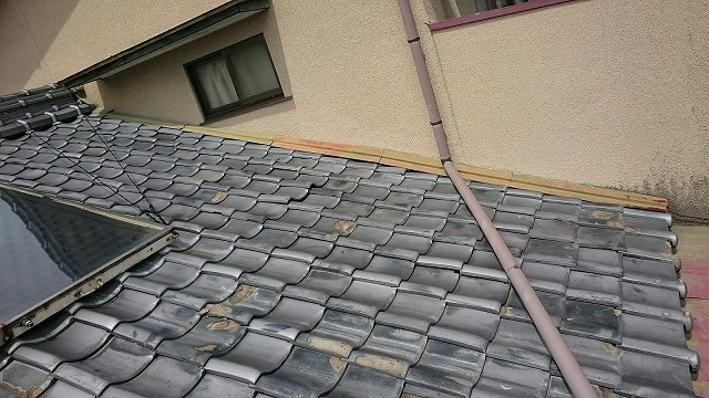 屋根面と多尿熱温水器