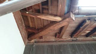 谷隅木腐り修理