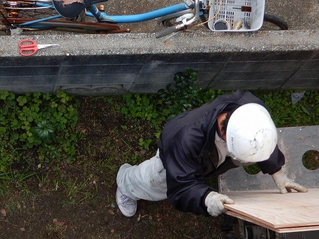 構造用合板の積み込み
