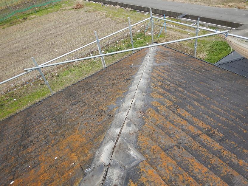 松山市で雨漏り。カバー工法前に粘着式防水紙を施工しました