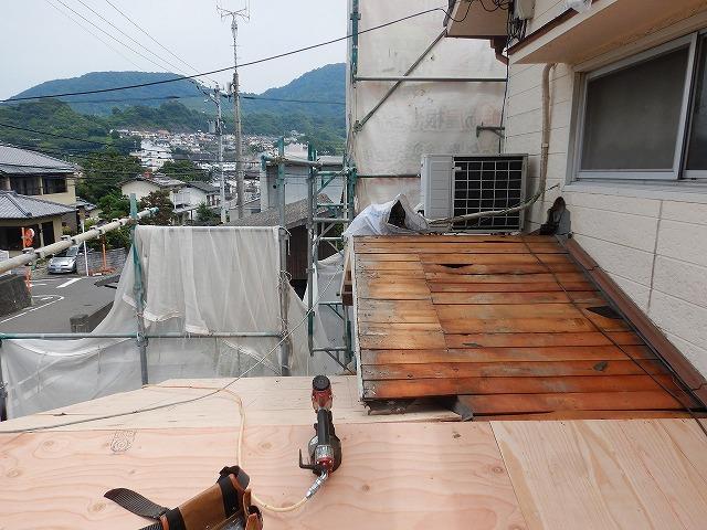 1階部分の構造用合板の増し張りの様子