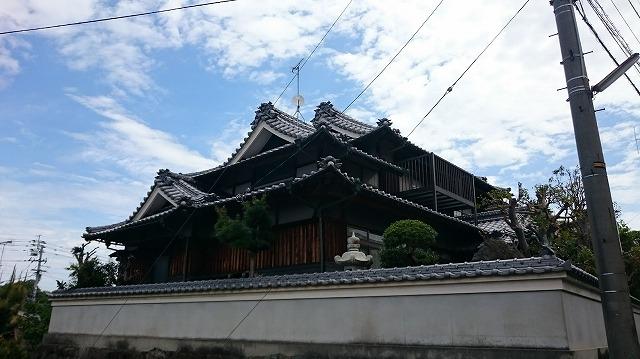 松山市東石井の純和風住宅の雨漏りが止まらないという至急依頼
