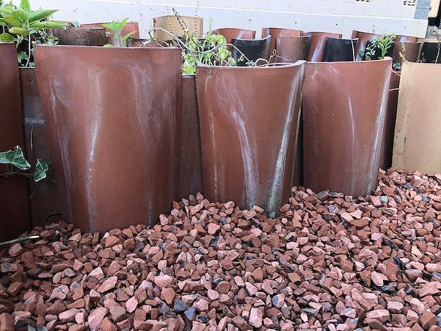 輸入瓦の花壇部分の完工写真