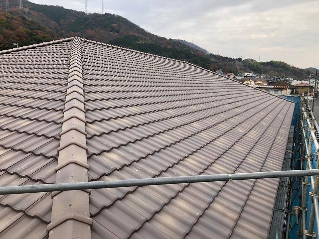 新築グループホームの屋根完工写真