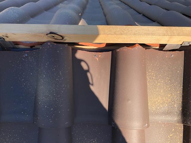 屋根棟部の割り込みの写真