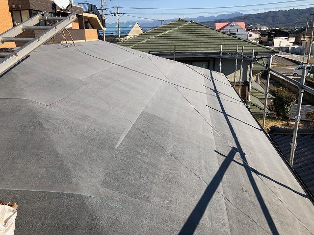 防水紙を屋根に貼り終えた時の写真