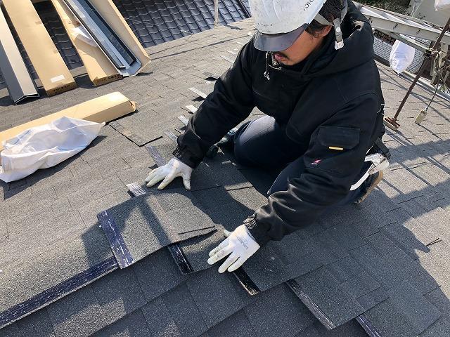 シングル屋根材が葺き終わった時の写真