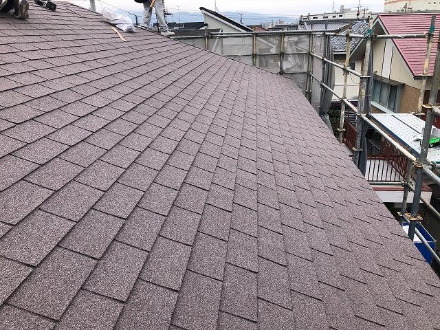 屋根大棟部と隅棟部の工事が完了した時の写真