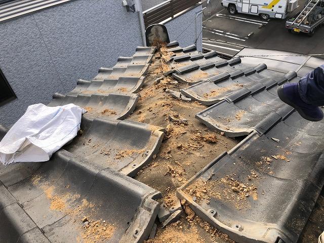 隅棟の土を全て撤去した時の写真