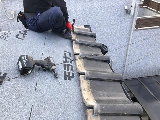 松山市にて和型セメント瓦のお家の雨漏り修繕に伴う棟積み直し