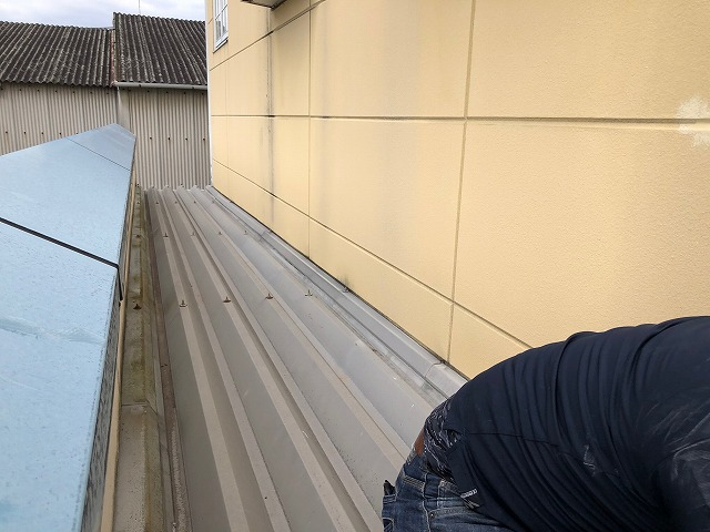 折板屋根の写真