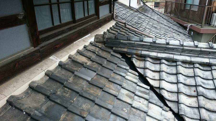 松山市平田町雨漏り現場左から見たところ松山市平田町雨漏り現場左から見たところ施工前